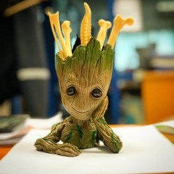 tsvetochnyi-gorshok-gryt-strazhi-galaktiki-groot-guardians-of-the-galaxy3